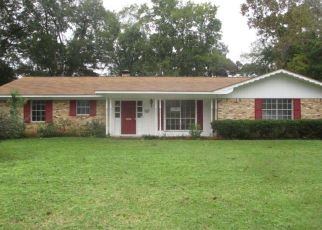 Foreclosed Home in Palestine 75801 E LAMAR ST - Property ID: 4323234920