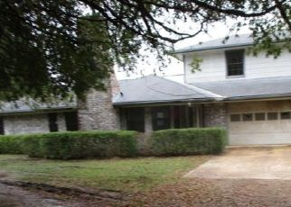 Foreclosed Home in Paris 75462 COUNTY ROAD 42400 - Property ID: 4323251558