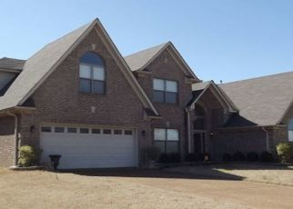 Foreclosed Home in Memphis 38125 MEADOW VALE DR - Property ID: 4323271705
