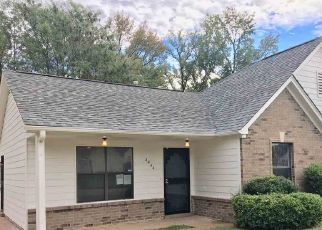 Foreclosed Home in Memphis 38128 SUGAR PECAN CV - Property ID: 4323282203