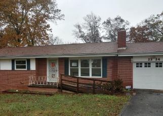 Foreclosed Home in Chattanooga 37421 MARCO CIR - Property ID: 4323290980
