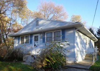 Foreclosed Home in Thorofare 08086 BERGEN AVE - Property ID: 4323393455