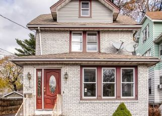 Foreclosed Home in Belleville 07109 MALONE AVE - Property ID: 4323414929