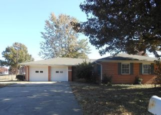 Foreclosed Home in Bartlesville 74006 CRESCENT DR - Property ID: 4323475354
