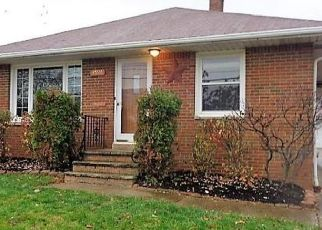 Foreclosed Home in Cleveland 44125 E 93RD ST - Property ID: 4323500314