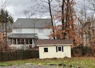 Foreclosed Home in Chagrin Falls 44022 MANOR BROOK DR - Property ID: 4323511715