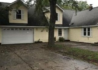 Foreclosed Home in Waterford 48329 DELAND RD - Property ID: 4323529222