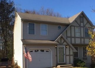Foreclosed Home in Wolcott 06716 DEVONSHIRE RD - Property ID: 4323576530