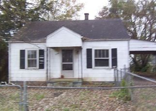 Foreclosed Home in Bardstown 40004 ALLISON AVE - Property ID: 4323755219