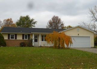 Foreclosed Home in Fort Wayne 46818 AUGUST DR - Property ID: 4323816544