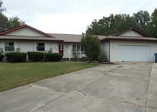Foreclosed Home in Centralia 62801 MARQUIS AVE - Property ID: 4323832752