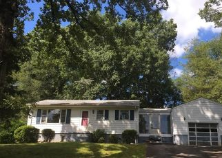 Foreclosed Home in Winston Salem 27101 STANLEY AVE - Property ID: 4323858140