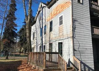 Foreclosed Home in Worcester 01607 GREENWOOD ST - Property ID: 4324001811