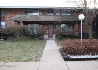 Foreclosed Home in Milwaukee 53218 W LEON TER - Property ID: 4324007494
