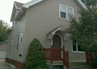 Foreclosed Home in Manitowoc 54220 S 18TH ST - Property ID: 4324010565