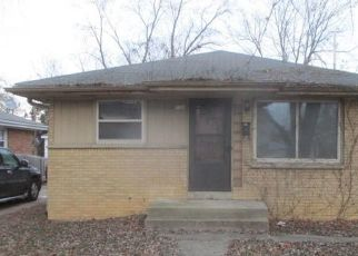 Foreclosed Home in Milwaukee 53218 N 63RD ST - Property ID: 4324013636