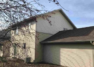 Foreclosed Home in Madison 53704 PARK MEADOW DR - Property ID: 4324022381