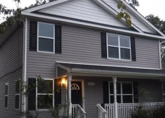 Foreclosed Home in Norfolk 23513 KENNEBECK AVE - Property ID: 4324109992