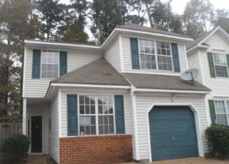 Foreclosed Home in Hampton 23663 LAVENDER TRCE - Property ID: 4324146779