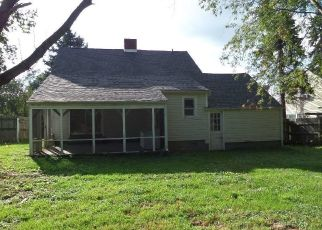 Foreclosed Home in Pearisburg 24134 CLIFFORD ST - Property ID: 4324147204
