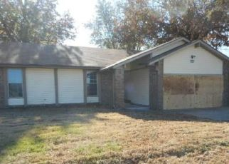 Foreclosed Home in Skiatook 74070 E MAPLE ST - Property ID: 4324212469