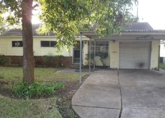 Foreclosed Home in Houston 77051 CATHEDRAL DR - Property ID: 4324224290