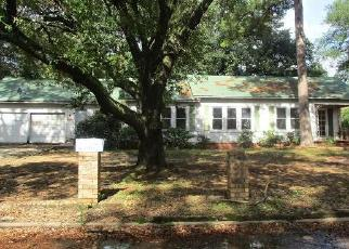 Foreclosed Home in Gladewater 75647 JEANETTE AVE - Property ID: 4324299178