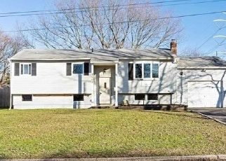 Foreclosed Home in Medford 11763 KANE AVE - Property ID: 4324373646