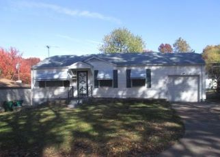 Foreclosed Home in Saint Louis 63137 AVANT DR - Property ID: 4324529115