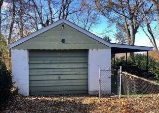 Foreclosed Home in Saint Louis 63114 HILLEMAN AVE - Property ID: 4324536571