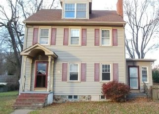 Foreclosed Home in Trenton 08648 FORREST AVE - Property ID: 4324622856