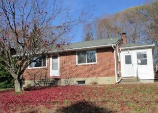 Foreclosed Home in Naugatuck 06770 FOREST ST - Property ID: 4325007842