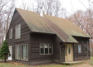 Foreclosed Home in Morris 06763 BERTHIAUME PASSWAY - Property ID: 4325009133