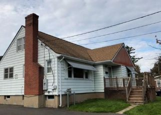 Foreclosed Home in Wethersfield 06109 GOODWIN AVE - Property ID: 4325038937