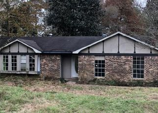 Foreclosed Home in Semmes 36575 HOWELLS FERRY RD - Property ID: 4325104172