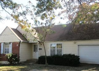 Foreclosed Home in Kansas City 64130 E 62ND ST - Property ID: 4325113382