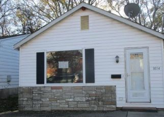 Foreclosed Home in Saint Charles 63301 PINE ST - Property ID: 4325118641