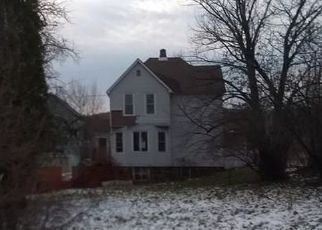 Foreclosed Home in Duluth 55807 REDRUTH ST - Property ID: 4325157169