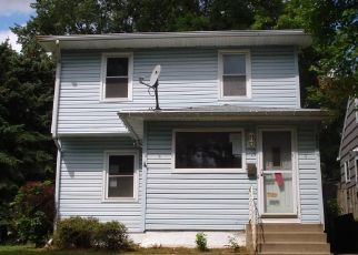 Foreclosed Home in Minneapolis 55421 TYLER ST NE - Property ID: 4325168567