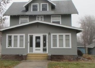 Foreclosed Home in Luverne 56156 N ESTEY ST - Property ID: 4325175125