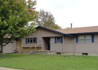 Foreclosed Home in Hillsboro 67063 S WILSON ST - Property ID: 4325430921