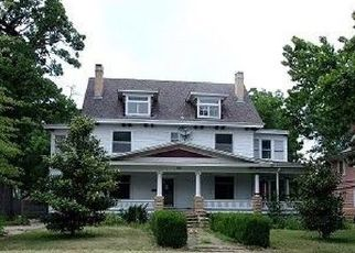 Foreclosed Home in Independence 67301 E LOCUST ST - Property ID: 4325436160