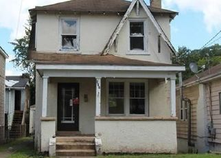 Foreclosed Home in Charleston 25303 CENTRAL AVE - Property ID: 4325440998