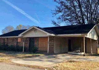 Foreclosed Home in Fairfield 35064 55TH ST - Property ID: 4325454114