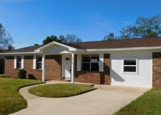 Foreclosed Home in Cantonment 32533 SQUIRE DR - Property ID: 4325603474
