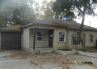 Foreclosed Home in Fresno 93703 E YALE AVE - Property ID: 4325701127