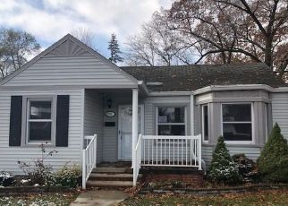 Foreclosed Home in Dearborn 48124 HUBBARD ST - Property ID: 4325835603