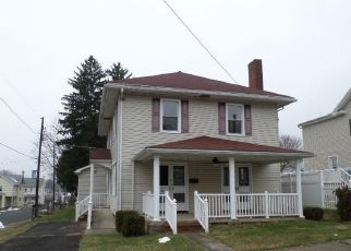 Foreclosed Home in Williamstown 17098 EAST ST - Property ID: 4325955605