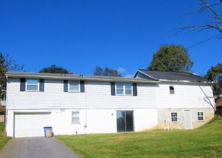 Foreclosed Home in York 17404 W PRINCESS ST - Property ID: 4325973565