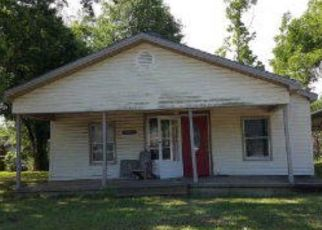 Foreclosed Home in Paris 75460 BROWN AVE - Property ID: 4326041894